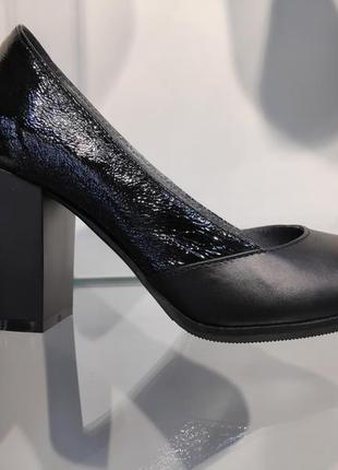 Кожаные стильные  женские туфли черные на каблуке, украина