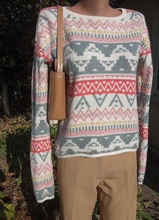 Мягкий уютный свитер в составе есть шерсть альпаки