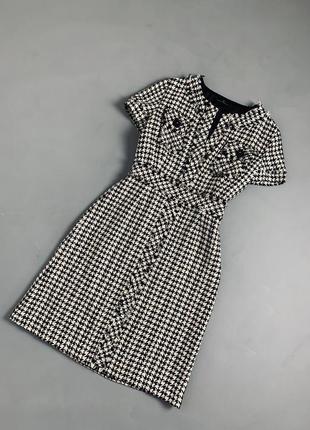 Твидовое платье гусиная лапка миди  carolina herrera оригинал