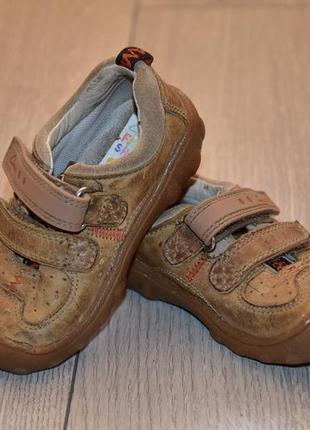 Детские кожанные ботинки ботиночки clarks оригинл 21 размер