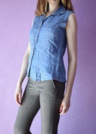 Джинсовая блуза без рукавов