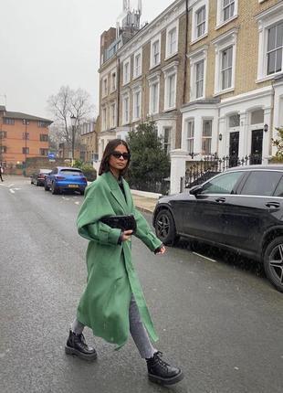Шерстяное пальто с поясом оверсайз zara