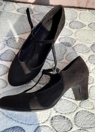 Замшевые туфли на устойчивом каблуке graceland