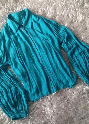 Блуза бирюзового цвета с объемными рукавами