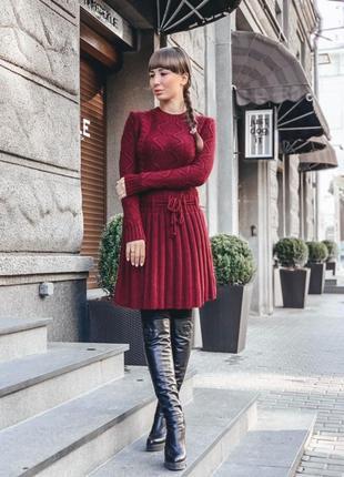 Трендовое вязаное платье с юбкой плиссировкой😍