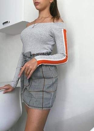 Укороченная кофта с открытыми плечами топ с длинным рукавом