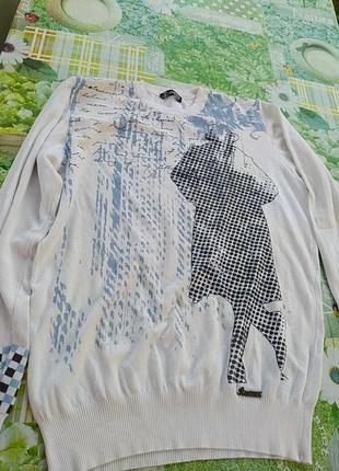 Белый тоненький свитерок