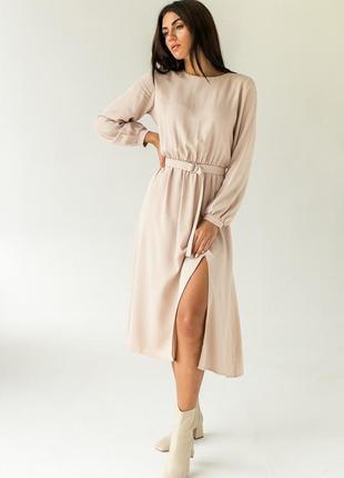 Элегантное платье однотонное с поясом