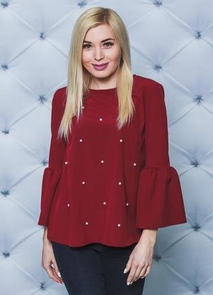Женская блуза с жемчугом