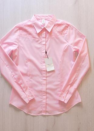 Розовая нарядная рубашка блузка с кружевом piazza italia италия