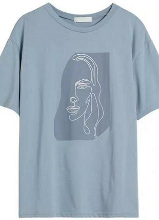 Минималистичная футболка