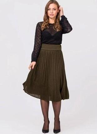 Модна вязана спідниця пліссе. модная вязаная юбка плиссе