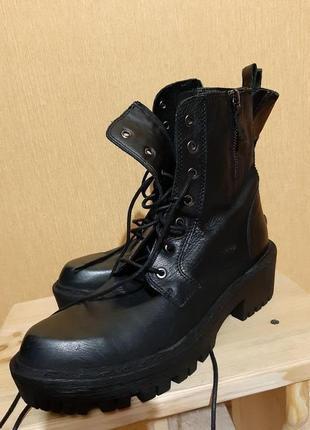 Демисезонные ботинки.новые!причина продажы:не подошёл размер.цена очень приемлема!