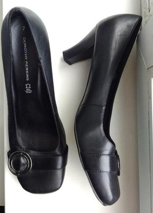 Элегантные туфли на невысоком каблуке, кожа, 41р