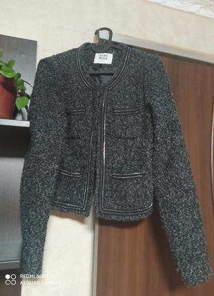 Укороченный пиджак с цепочкой vero moda
