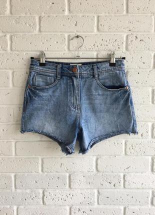 Крутые джинсовые шорты высокая посадка