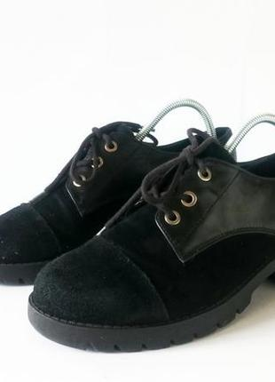 Туфли на тракторной подошве aldo. натуральная кожа внутри и снаружи