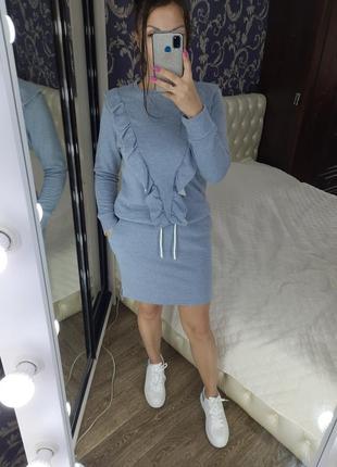Костюм новый! юбка+свитшот.  размер м.