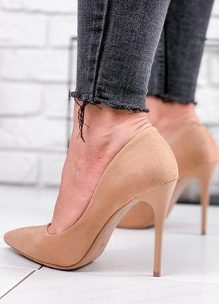 Новые женские бежевые туфли лодочки на шпильке