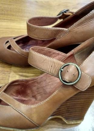 Asos кожаные туфли на танкетке
