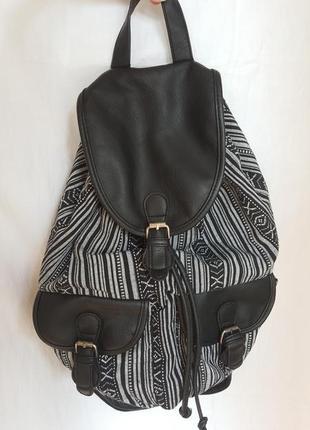 Рюкзак из текстиля и кожзама с принтом