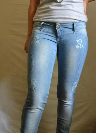 Джинсы / джинсы низкая посадка / джинсы с низкой посадкой
