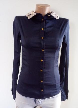 Синя блузка на гудзиках(синяя блуза на пуговицах)