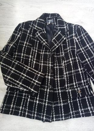 Теплый деловой пиджак в клетку классический твид букле