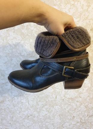 Крутые модные деми ботинки фирмы mustang!