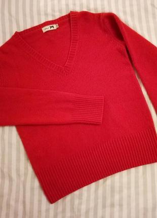 A feeling of joy: шерстяной свитер от шведского бренда
