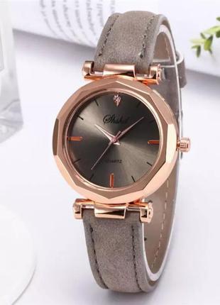 Часы наручные женские серые годинник