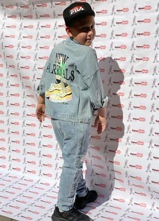 Джинсовый костюм на мальчика