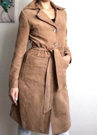 Невероятное пальто тренч из эко замши, бежевого цвета от h&m