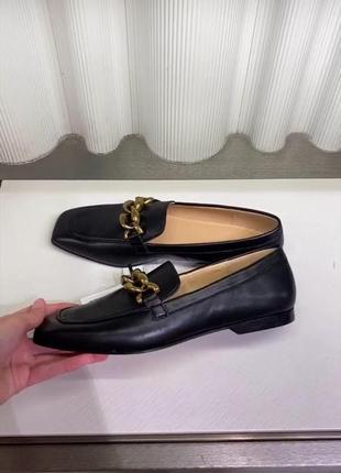 Черные кожаные лоферы с цепочками, бренд uterqüe! оригинал, из португалии!