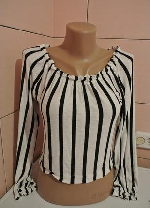 Супер модная блуза в полоску фирма бершка