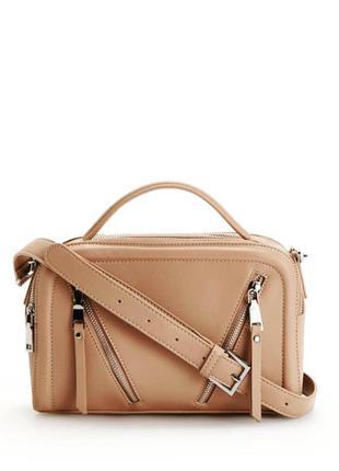 Бежевая сумочка reserved