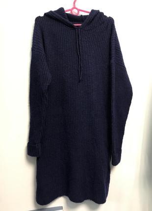 Тёплое платье с капюшоном