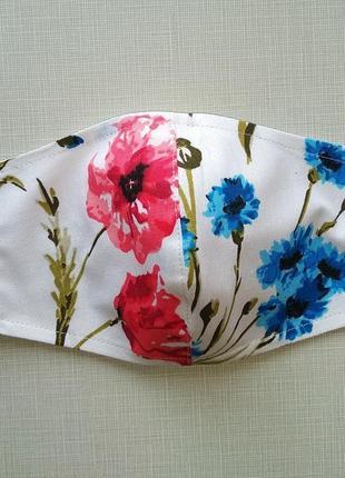 Женская маска с маками и васильками