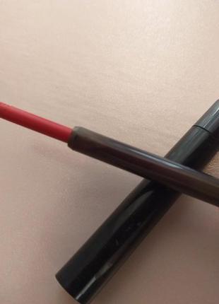 Карандаш для губ красный