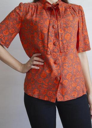 Очень красивая оранжевая блузка, ручной работы