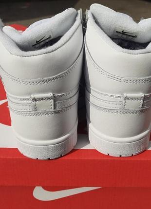 Крутые женские кроссовки nike air jordan белые   зима3 фото