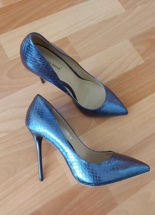 Новые туфли vitto rossi, 37