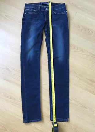 Cтрейчевые джинсы levis revel 25 р.  на средний рост.