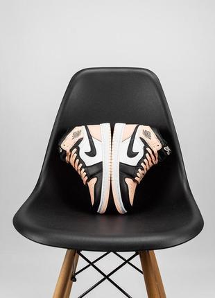 Кожаные осенние кроссовки высокие jordan 1 retro цвет high patent pink 0386