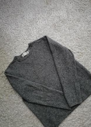 Фирменный свитер h&m р.s/m