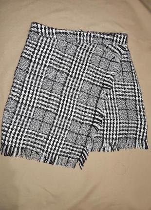 Красивая твидовая юбка