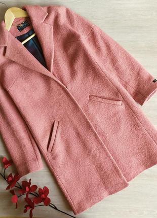 Шерстяное пальто venefika vestis