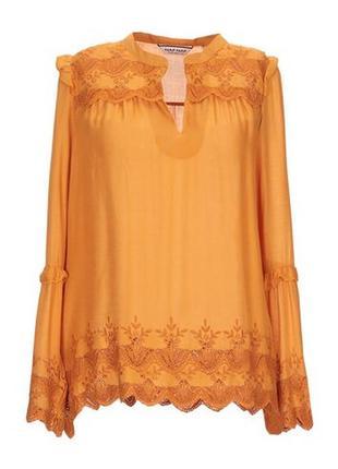 Оранжевая блуза