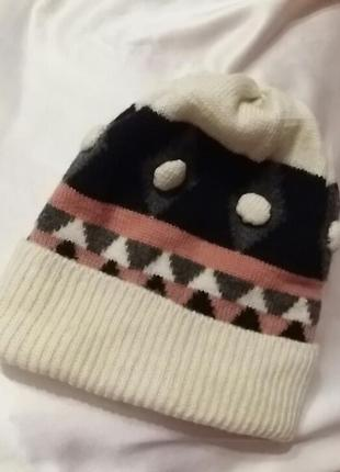 Красивая тепленькая детская шапка. италия