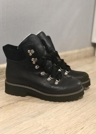 Зимние кожаные ботинки , сапоги